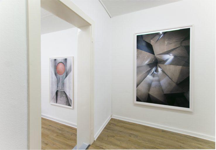 "Installation View ""Tobias Grewe RAW"" at Julia Ritterskamp, Düsseldorf (Photo by Kathrin Edwards)"