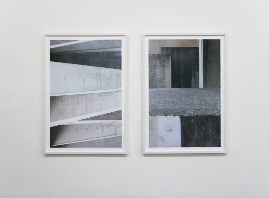"Installation View ""Tobias Grewe RAW"" at Julia Ritterskamp, Düsseldorf (Photo by Kathrin Edwards)"
